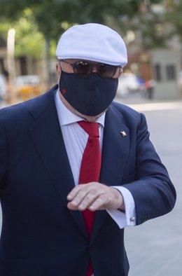 El comisario jubilado José Manuel Villarejo a su llegada a la Audiencia Nacional de Madrid para declarar por la 'Kitchen', a 2 de julio de 2021, en Madrid, (España). Villarejo declara este viernes ante el juez que investiga la 'Operación Kitchen' para esc