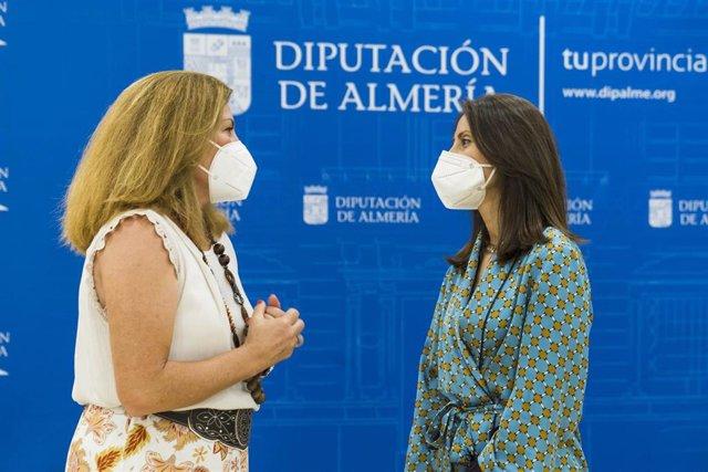 Carmen Belen y la presidencia de Almur, Amalia Salvador.