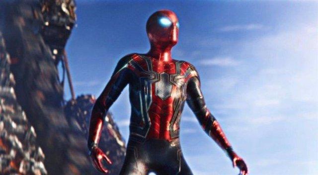 """El traje de Spider-Man No Way Home decepciona a los fans de Marvel: """"Qué horrible cómo han cambiado el original"""""""