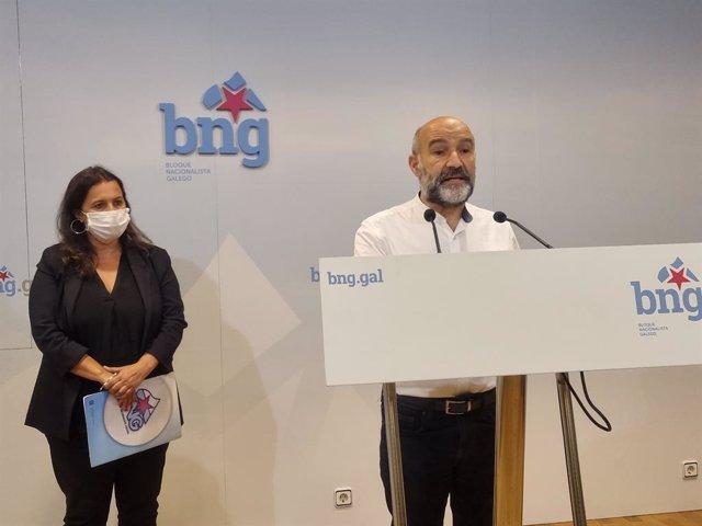 El diputado del BNG en el Congreso, Néstor Rego, junto a la portavoz del Bloque en Europa, Ana Miranda.