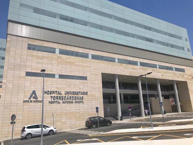 Archivo - Acceso al Hospital Universitario Torrecárdenas de Almería