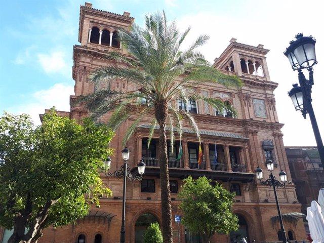 Archivo - Edificio Coliseo en Sevilla, sede de la Agencia Tributaria de Andalucía, foto de archivo
