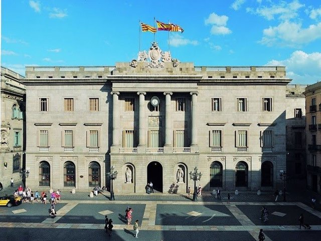 Archivo - Arxiu - Façana de l'Ajuntament de Barcelona