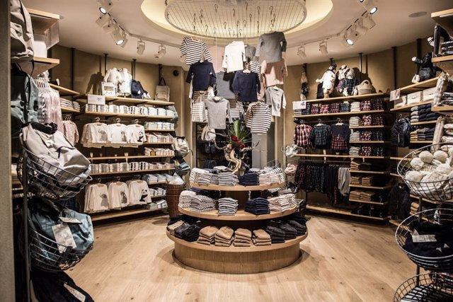 Archivo - La 'flagship store' de Muji en Barcelona
