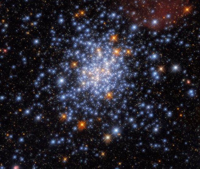 Cúmulo NGC 330