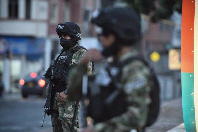 Soldados del Ejército de Colombia durante las últimas protestas contra el Gobierno