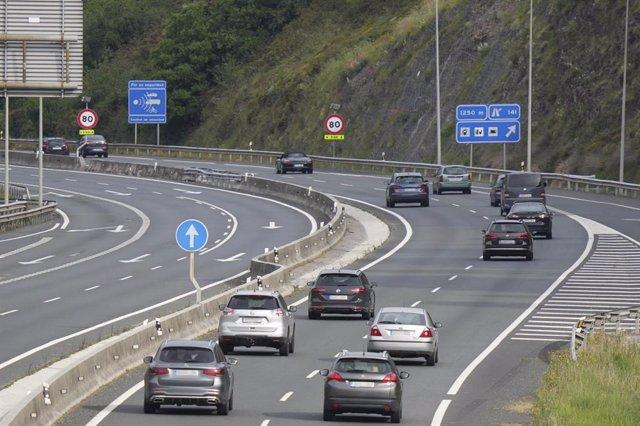 Archivo - Arxiu - Imatge d'una autopista al País Basc