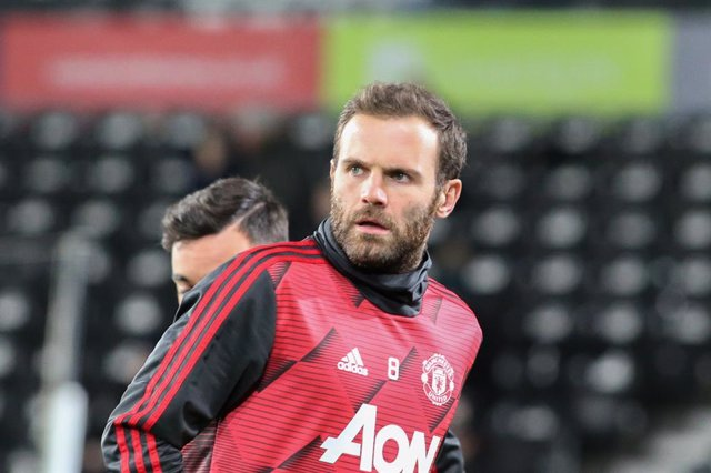Archivo - Manchester United midfielder Juan Mata in the warm up during the The FA Cup match between Derby County and Manchester United at the Pride Park, Derby, England on 5 March 2020. Photo Jez Tighe/ ProSportsImages / DPPI