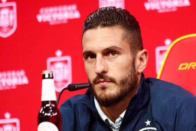 """Jorge Resurreccion """"Koke"""" attends during the presentation of Cerveza Victoria as new sponsor of Spain Team ahead of a friendly football match against Portugal on june 4, as part of the team's preparation for the upcoming 2020 UEFA Euro Cup football tourna"""