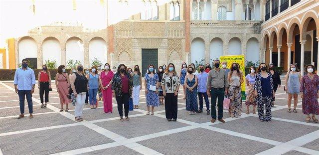 El Ayuntamiento clausura el programa Escuelas de Familia que se ha desarrollado de forma telemática