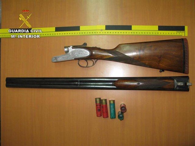 Archivo - Imagen de archivo de una escopeta de caza