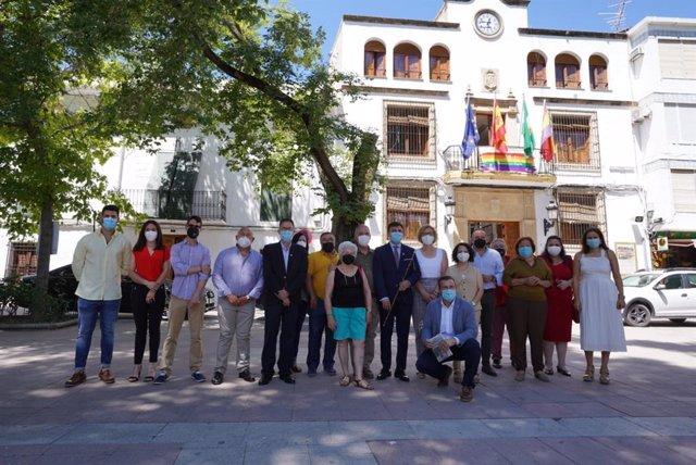 El secretario de organización del PSOE de Jaén, Jacinto Viedma, tras tomar posesión el nuevo alcalde de Quesada.