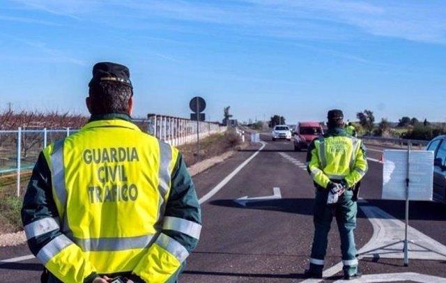 Archivo - Rdo. Nota De Prensa Guardia Civil Trafico (Se Oculta En Su Domicilio Por Conducir De Madrugada Y Sin Permio De Conducción)