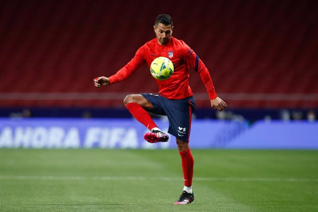 """Archivo - Victor Machin """"Vitolo"""" of Atletico de Madrid warms up during the spanish league, La Liga, football match played between Atletico de Madrid and Real Sociedad at Wanda Metropolitano stadium on may 12, 2021, in Madrid, Spain."""