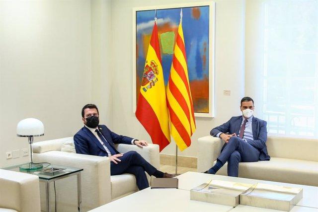 El president de la Generalitat de Catalunya, Pere Aragonès, i el president del Govern, Pedro Sánchez