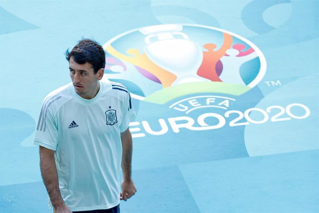 Mikel Oyarzabal con la selección española