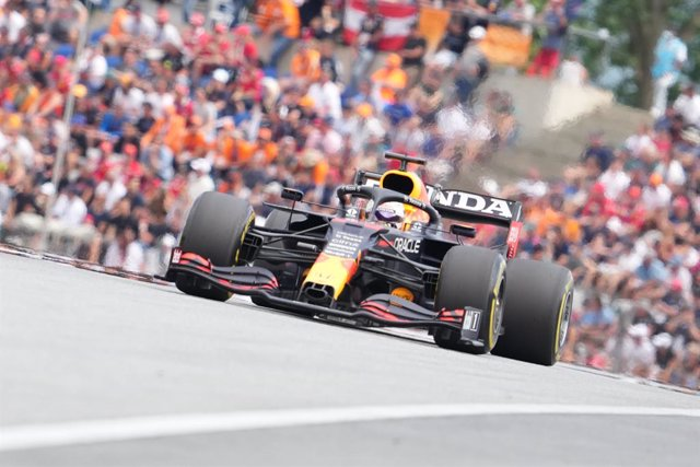 04 July 2021, Austria, Spielberg: Red Bull Racing's Dutch driver Max Verstappen competes in the 2021  Formula One Grand Prix of Austria at the Red Bull Ring. Photo: Georg Hochmuth/APA/dpa
