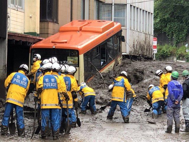 Labores de rescate tras el deslave en Shizuoka, cerca de Tokio, Japón