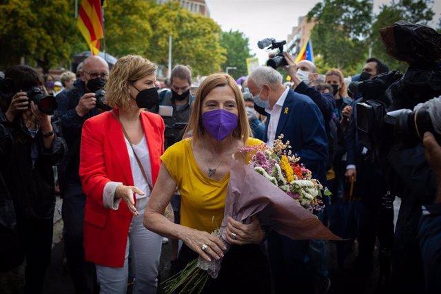 La expresidenta del Parlament de Catalunya Carme Forcadell (ERC), a su salida de la prisión de Wad-Ras, un día después de ser indultada por el Gobierno de España, a 23 de junio de 2021, en Barcelona, Catalunya (España). La salida tiene lugar después de qu