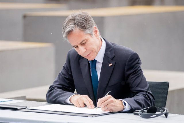 24 June 2021, Berlin: US Secretary of State Antony Blinken signs an agreement on closer cooperation on Holocaust issues with German Foreign Minister Heiko Maas (Not Pictured), at the Holocaust Memorial. Photo: Christoph Soeder/dpa