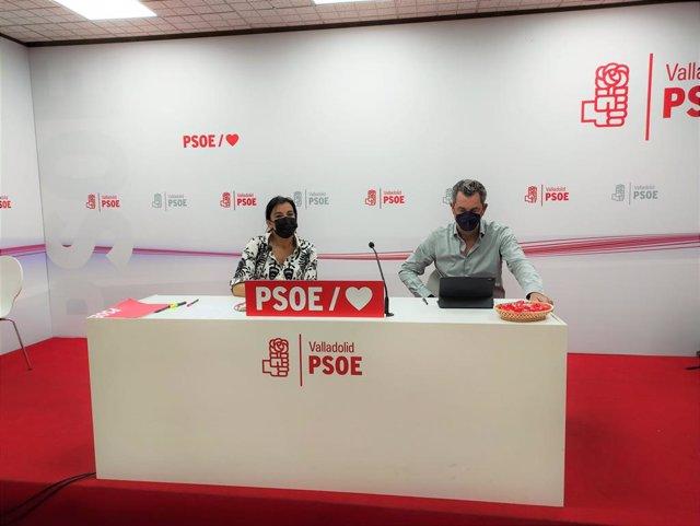 La secretaria de Organización del PSOE de Castilla y León, Ana Sánchez, junto al secretario del PSOE de Valladolid, Manuel Escarda.