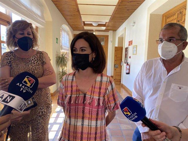 Los alcaldes de Ejea y Tauste, Teresa Ladrero y Miguel Ángel Francés, y la primera teniente de alcalde de Gallur, María Pilar Capdevila.