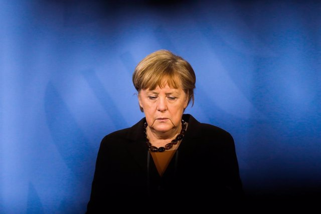 Archivo - 30 March 2021, Berlin: German Chancellor Angela Merkel reacts during a press conference following an online meeting with state premiers to discuss how to proceed with the Astrazeneca vaccine at the Chancellery. Photo: Markus Schreiber/AP POOL/dp
