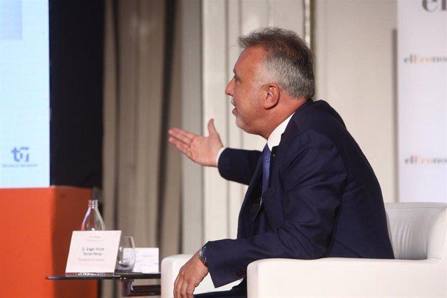 El presidente del Gobierno de Canarias, Ángel Víctor Torres, interviene en la primera mesa de debate de las I Jornadas de Fondos Europeos para la recuperación Next Generation, a 5 de julio de 2021, en el Hotel Westin Palace, Madrid, (España). Organizado p