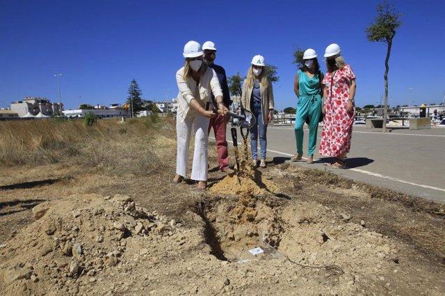 Primera piedra de la obra de integración puerto-ciudad de Chipiona