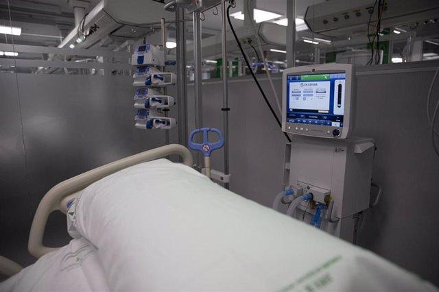 Archivo - Una foto de archivo de la UCI del Hospital de Emergencia Covid-19, construido en el antiguo Hospital Militar Vigil de Quiñones.  En Sevilla, (Andalucía, España), a 01 de febrero de 2021.