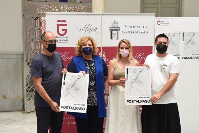 La Diputación de Granada presenta las 'Becas al Raso'.