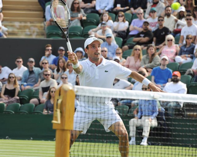 Roberto Bautista Agut of Spain against Dominik Koepfer of Germany during The Championships Wimbledon 2021, Grand Slam tennis tournament on July 2, 2021 at All England Lawn Tennis and Croquet Club in London, England - Photo Andrew Cowie / Colorsport / DPPI