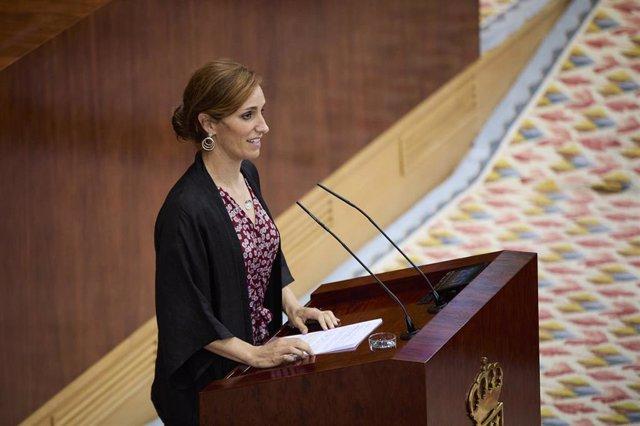 La portavoz de Más Madrid en la Asamblea, Mónica García, interviene en la segunda sesión del pleno de investidura de la presidenta en funciones de la Comunidad y candidata a la reelección, Isabel Díaz Ayuso, a 18 de junio de 2021, en Madrid (España).