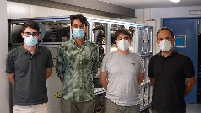 Los investigadores Alberto Ponce Juan Antonio López , Vicente Dolz y Miguel Ángel García