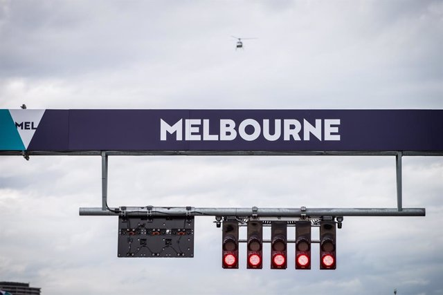 Archivo - Red Lights after the cancellation of the race due to coronavirus outbreak during the Formula 1 Rolex Australian Grand Prix 2020 from March 13 to 15, 2020 on the Albert Park Grand Prix Circuit, in Melbourne, Australia - Photo Antonin Vincent / DP