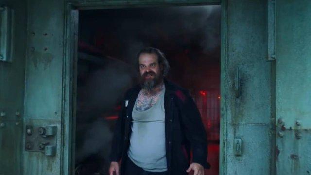 Guardián Rojo protagoniza una fuga de película en el nuevo clip de Viuda Negra