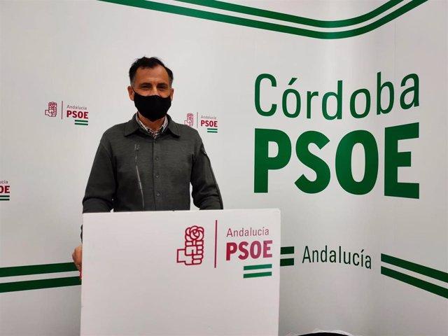 Archivo - El senador del PSOE por Córdoba, Alfonso Muñoz, en la sede de su partido.