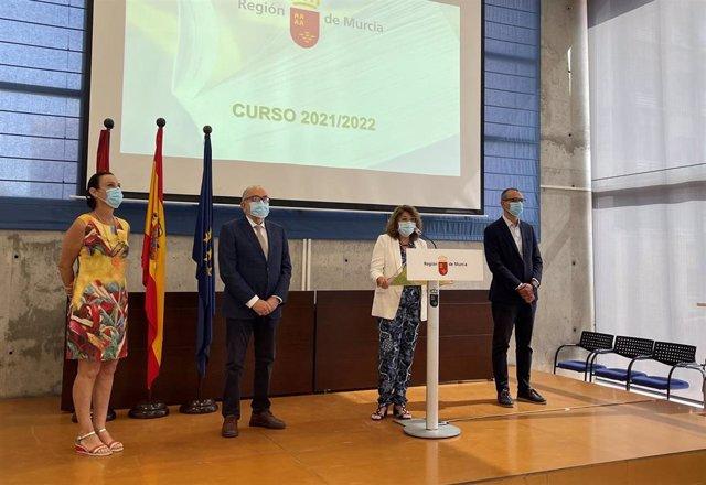 La consejera María Isabel Campuzano presenta las medidas sanitarias que se implementarán