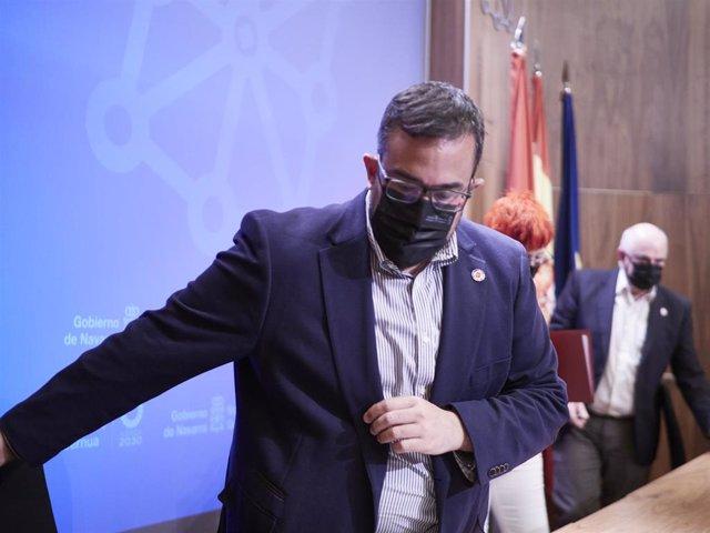 El vicepresidente del Gobierno de Navarra, Javier Remírez, a su llegada a una rueda de prensa para analizar la situación epidemiológica en Navarra.