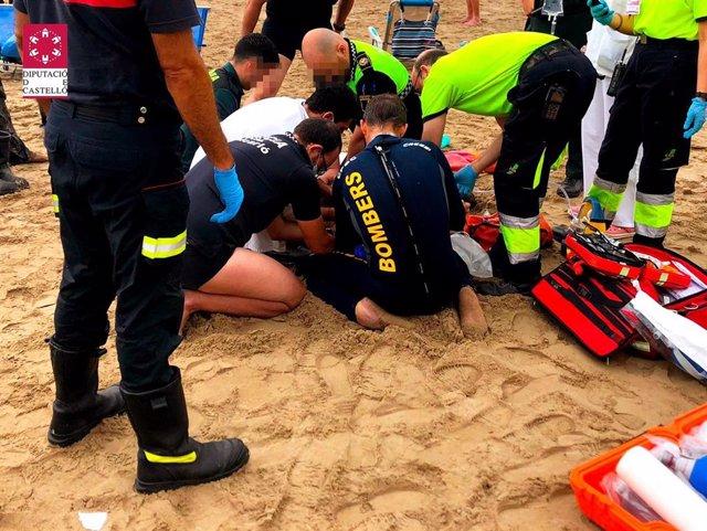 Imagen del rescate del hombre que finalmente ha fallecido ahogado