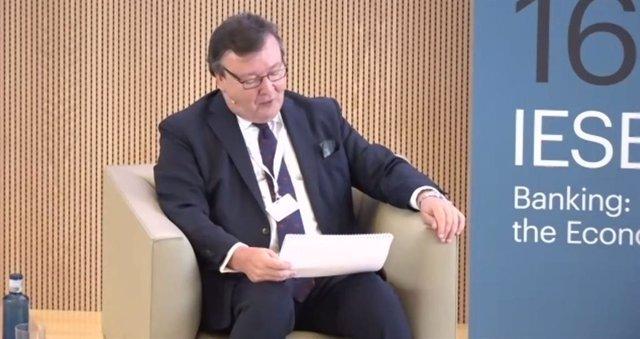 El presidente de Citi en España, William Van Dyke, durante el 16 IESE Banking