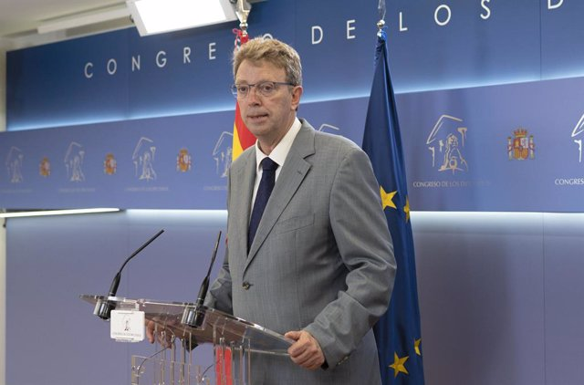 Arxiu - El portaveu del PDeCAT al Congrés, Ferrán Bel, en una conferència de premsa