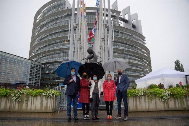 Junqueras, Forcadell i els exconsellers indultats d'ERC arriben al Parlament Europeu d'Estrasburg