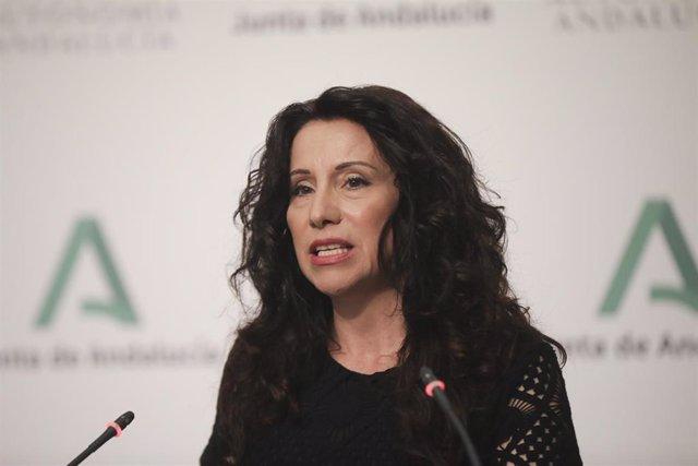 Archivo - La consejera de Igualdad, Políticas Sociales y Conciliación, Rocío Ruiz , en una fotografía de archivo