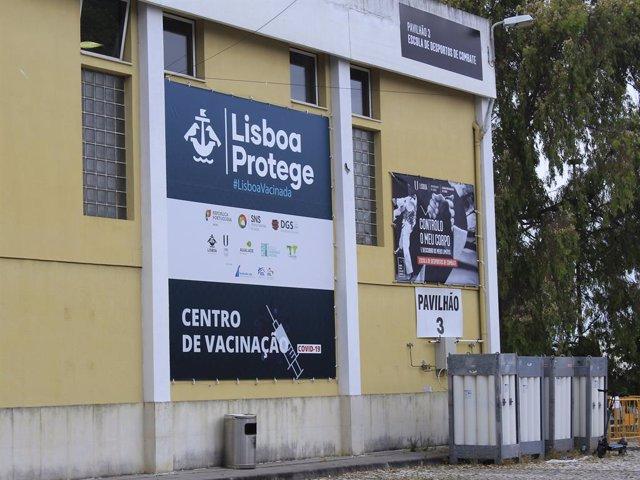 Centro de vacunación contra el coronavirus en Lisboa