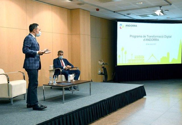 El cap de govern, Xavier Espot, i el secretari d'estat de Transformació Digital i Projectes Estratègics, Cesar Marquina