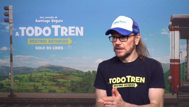 """Santiago Segura estrena 'A todo tren: Destino Asturias':""""Rezo para que los cines vuelvan a cifras previas a la pandemia"""""""