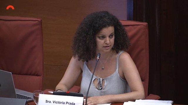 La tècnica d'igualtat del Parlament, Victòria Prada, en la Comissió d'Igualtat i Feminismes