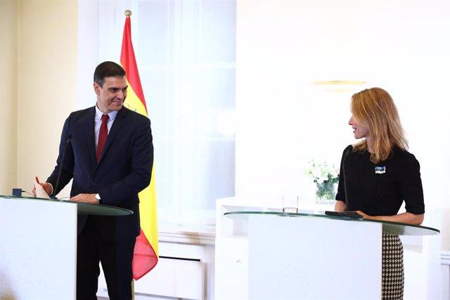 El presidente del Gobierno, Pedro Sánchez, y la primera ministra de Estonia, Kaja Kallas