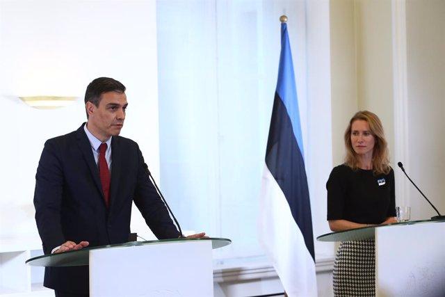 El presidente del Gobierno, Pedro Sánchez, en rueda de prensa con la  primera ministra Kaja Kallas.